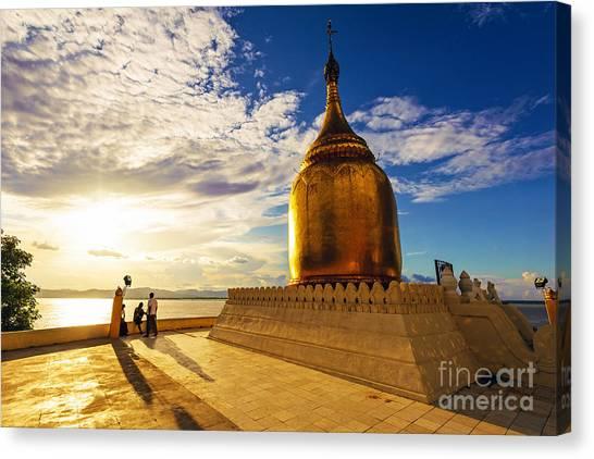 Buphaya Pagoda In Bagan, Myanmar At Canvas Print by Richard Yoshida