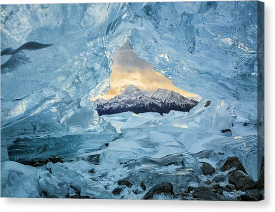 Canada, Alberta, Canadian Rockies Canvas Print by Ann Collins