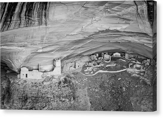 Canvas Print featuring the photograph Canyon De Chelly V Bw by David Gordon