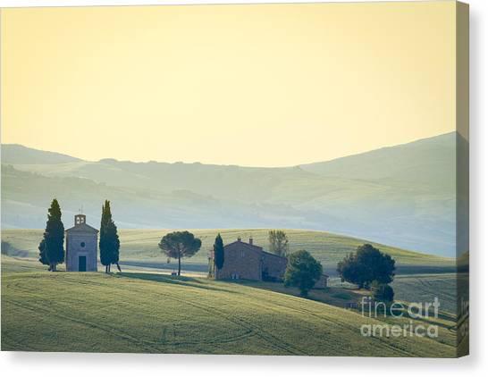Cappella Di Vitaleta, Val Dorcia Canvas Print by Frank Fischbach
