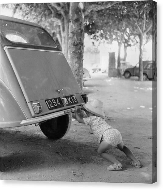 Car Break-down 1964 Canvas Print
