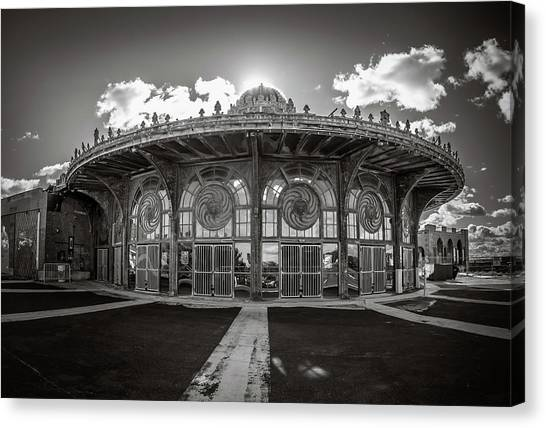 Canvas Print featuring the photograph Carousel House by Steve Stanger