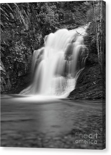 Canvas Print featuring the photograph Cascade 1 Bw by Patrick M Lynch