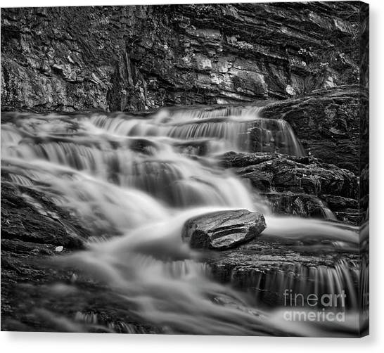 Canvas Print featuring the photograph Cascade 2 Bw by Patrick M Lynch
