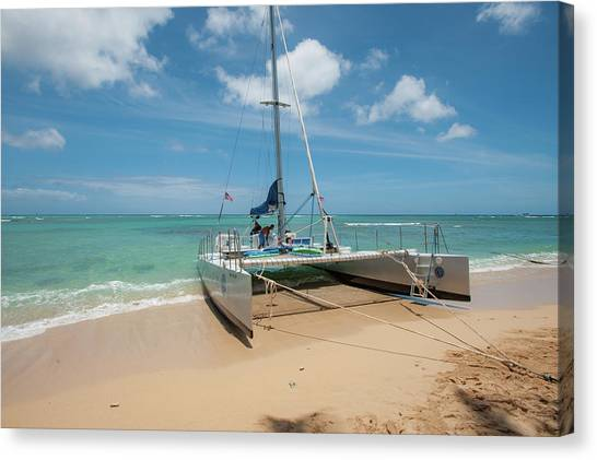 Catamaran On Waikiki Canvas Print