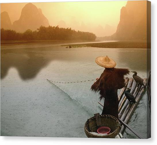 China, Guangxi, Yangshuo, Fisherman Canvas Print