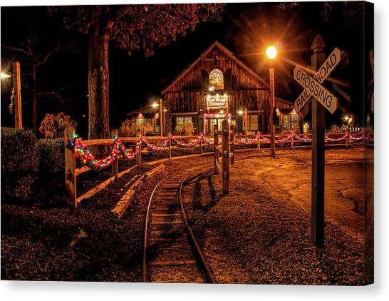 Canvas Print featuring the photograph Christmas At The Barn In Smithville by Kristia Adams