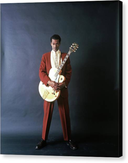 Chuck Berry Portrait Session Canvas Print by Michael Ochs Archives