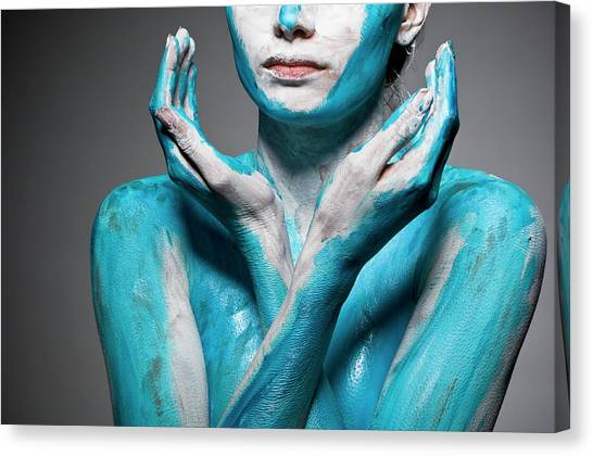 Close-up Of Body Painted Woman Canvas Print by Tomfullum