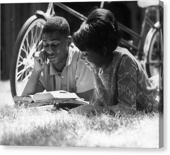 Couple Reading Canvas Print by Hulton Collection