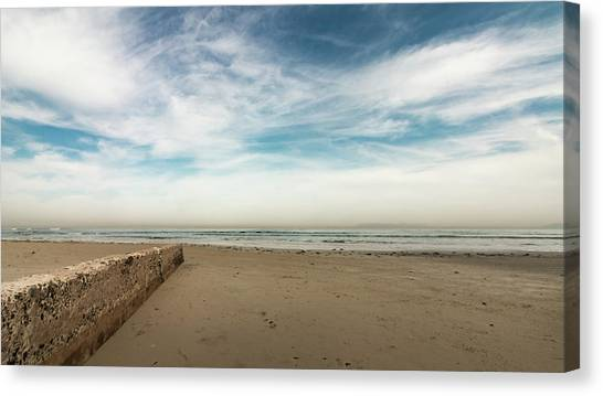 D1373 - Seascape Canvas Print