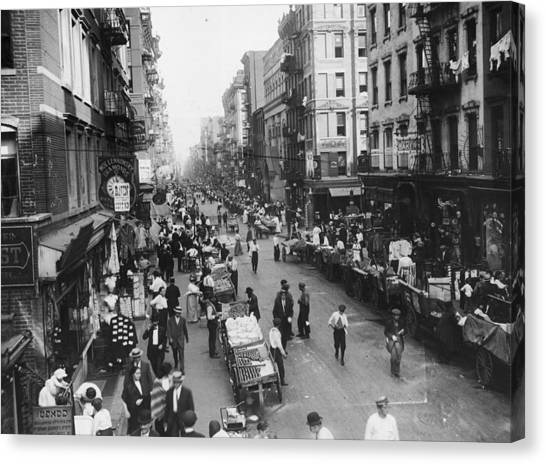 Delancey Street Ny Canvas Print by Hulton Archive