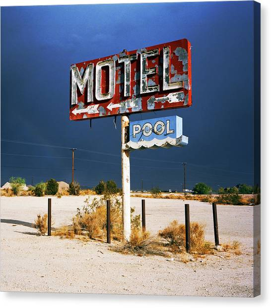 Derelict Motel Sign In The Desert Canvas Print