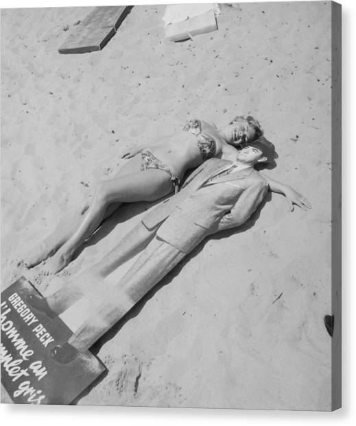 Diana Dors Lying On The Beach At Cannes Canvas Print
