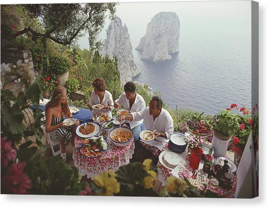 Dining Al Fresco On Capri Canvas Print