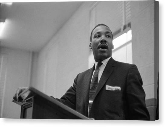 Dr. King Addresses Meeting Canvas Print