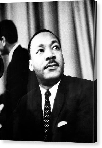 Dr. King Speaks To Local 1202 Canvas Print by Fred W. McDarrah