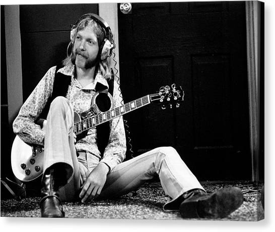 Duane Allman At Muscle Shoals Canvas Print by Michael Ochs Archives