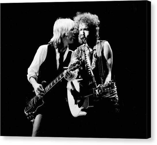 Dylan & Petty True Confessions Tour Canvas Print by Larry Hulst