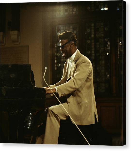 Earl Hines On Stage Canvas Print by David Redfern