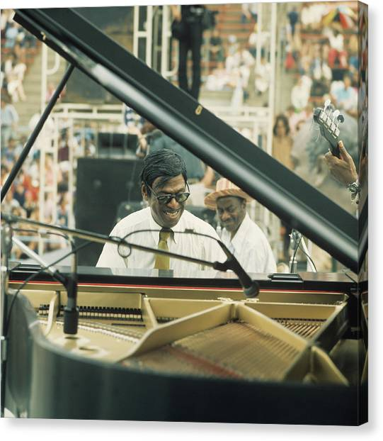 Earl Hines Performs At Newport Canvas Print by David Redfern