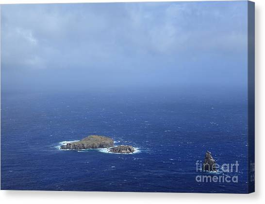 Cliffs Canvas Print - Easter Island by Hecke61