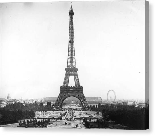 Eiffel Tower Canvas Print by Hulton Archive