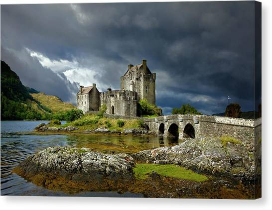 Eilean Donan Castle, Scotland Canvas Print by Daryl Benson