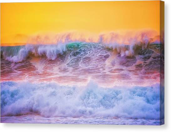 Endless Waves Canvas Print by Fernando Margolles
