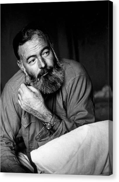 Ernest Hemingway Canvas Print by Kurt Hutton