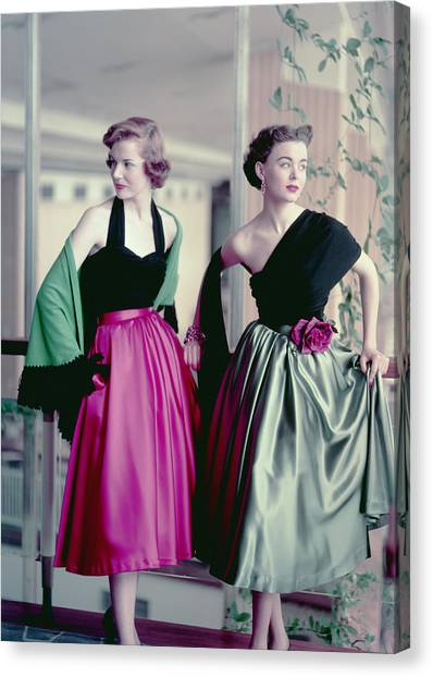 Evening Chic Canvas Print by Hulton Archive