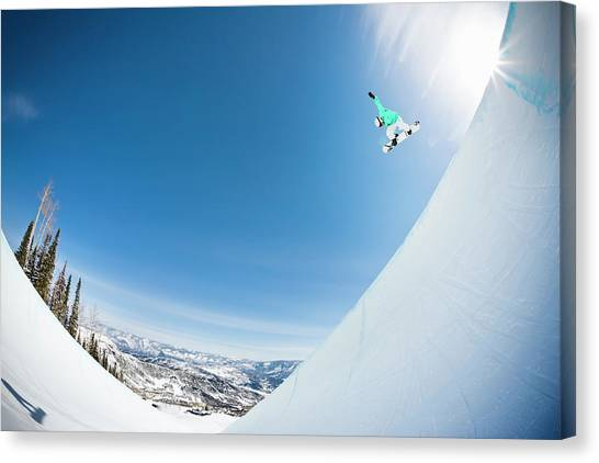 Extreme Snowboarder In Half Pipe Canvas Print