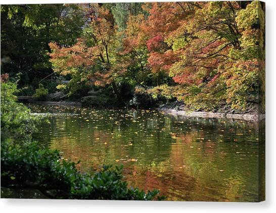 Canvas Print featuring the photograph Fall At The Japanese Garden by Ricardo J Ruiz de Porras