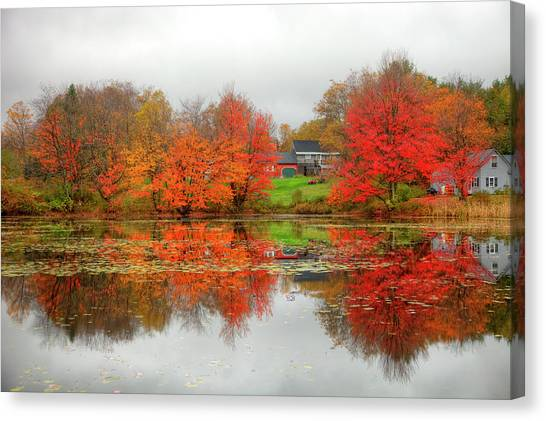 Fall Foliage In Rural New Hampshire Canvas Print