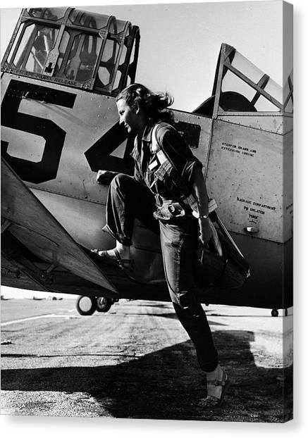 Female Pilot Of The Us Womens Air Force Canvas Print
