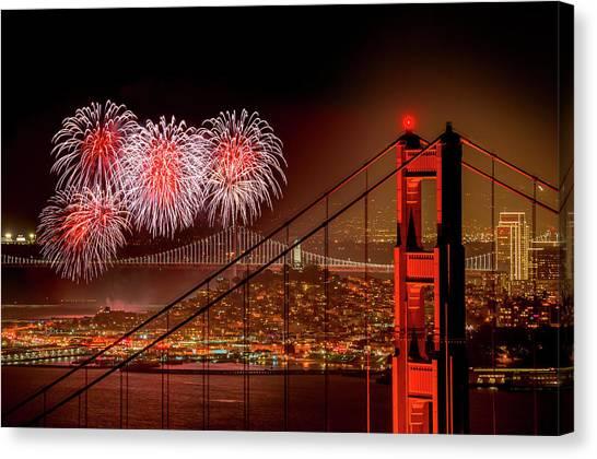 Firework At San Francisco, California Canvas Print by Spondylolithesis