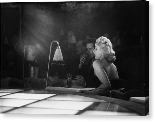 Floor Show Audience Canvas Print by Kurt Hutton