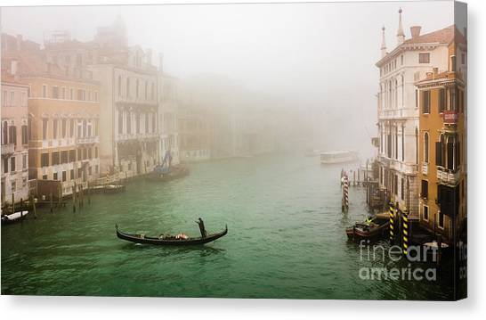 Foggy Morning On The Grand Canale, Venezia, Italy Canvas Print