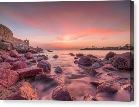 Front Beach Dawn Canvas Print