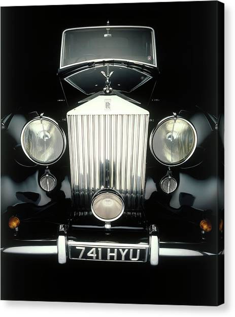 Front End Of Old Rolls Royce Canvas Print