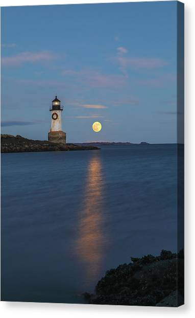 Canvas Print featuring the photograph Full Cold Moon Rise Across Fort Pickering Light by Juergen Roth
