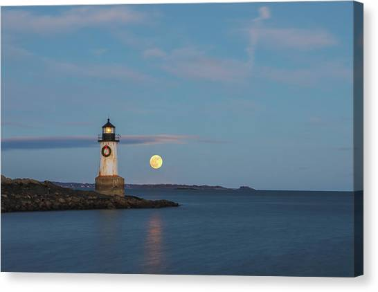 Canvas Print featuring the photograph Full Moon Rising At Fort Pickering Light by Juergen Roth