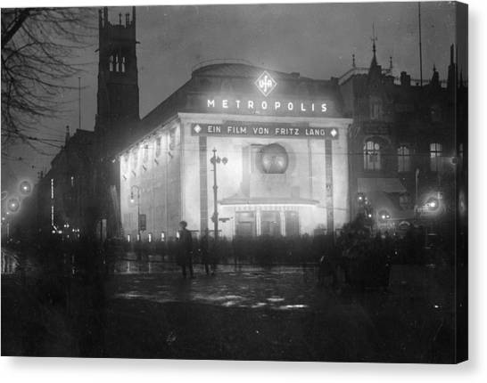 German Cinema Canvas Print by Hulton Archive