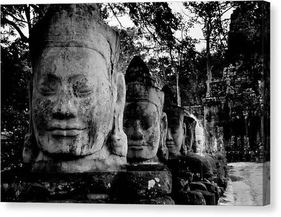 God Heads At South Gate Of Angkor Thom Canvas Print