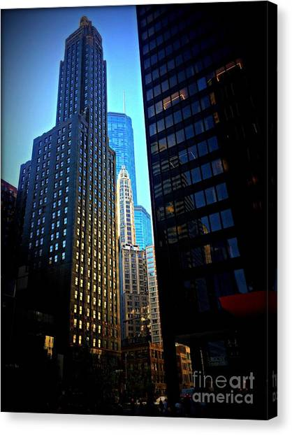 Golden Hour Reflections - City Of Chicago Canvas Print