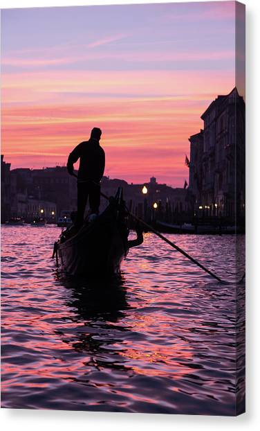 Gondolier At Sunset Canvas Print