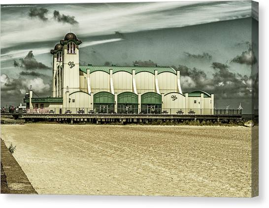 Canvas Print featuring the photograph Great Yarmouth Wellington Pier by Scott Lyons