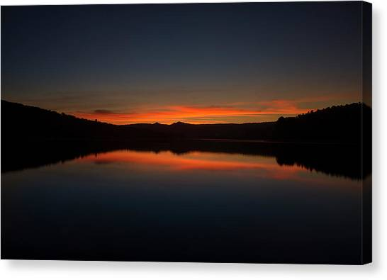 Sunset In The Reservoir Canvas Print