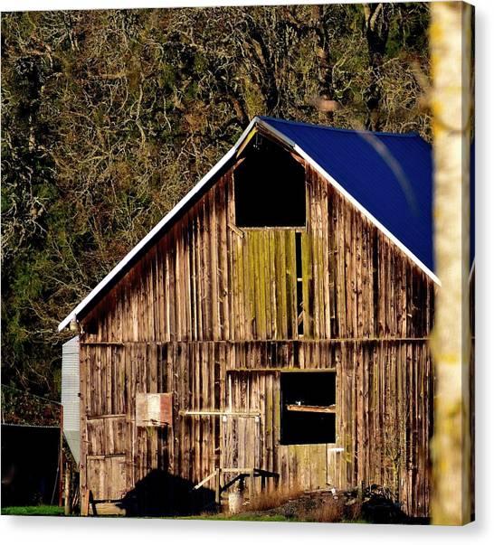 Canvas Print featuring the photograph Hopewell Barn by Jerry Sodorff