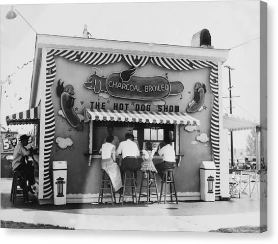 Hot Dog Stand At Los Angeles In Canvas Print